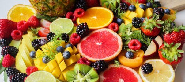 sveze-sadje-na-delovnem-mestu